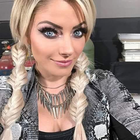 Alexa_Bliss_WWE_Celebrity_reputation_online (10)
