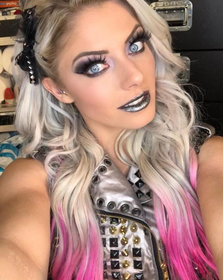 Alexa_Bliss_WWE_Celebrity_reputation_online (5)