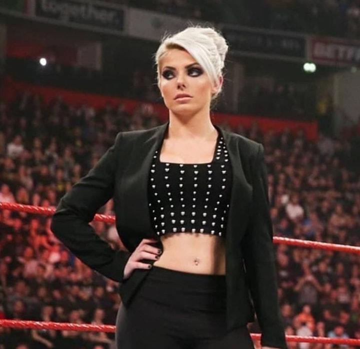 Alexa_Bliss_WWE_Celebrity_reputation_online (6)Alexa_Bliss_WWE_Celebrity_reputation_online (6)