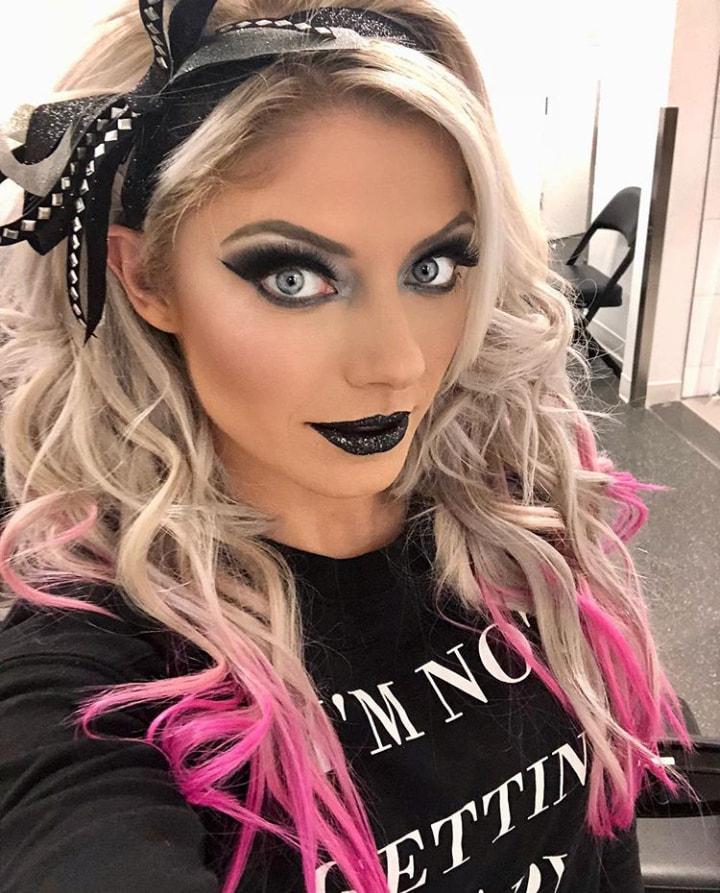 Alexa_Bliss_WWE_Celebrity_reputation_online (7)Alexa_Bliss_WWE_Celebrity_reputation_online (7)