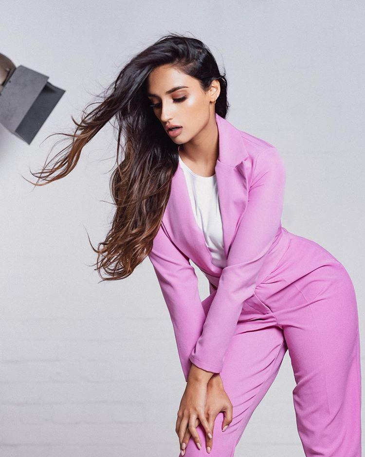 Rukku Nahar Instagram Pics (10)