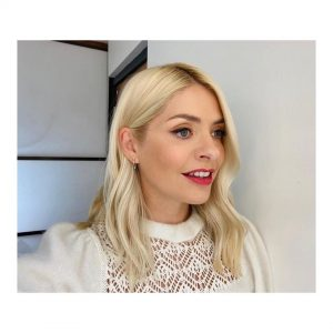 Holly Willoughby Images (4)