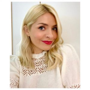 Holly Willoughby Images (5)
