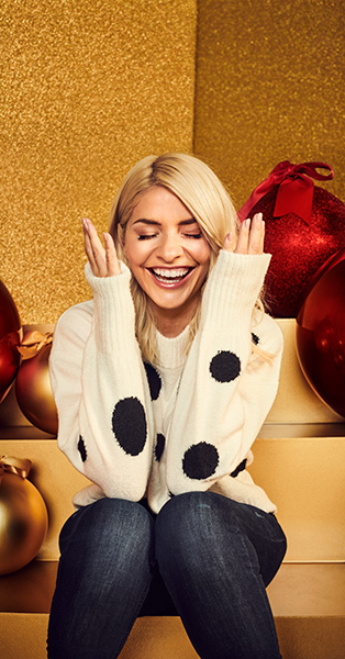 Holly Willoughby M&S 2020 Christmas (2)