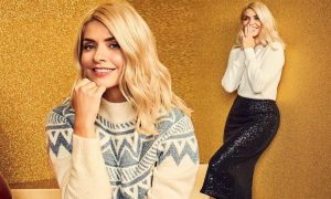 Holly Willoughby MHolly Willoughby M&S 2020 Christmas (5)&S 2020 Christmas (5)