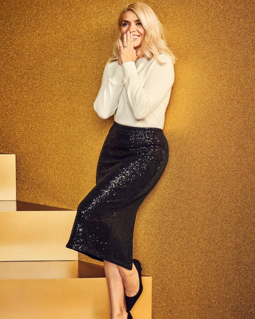 Holly Willoughby M&S 2020 Christmas (8)