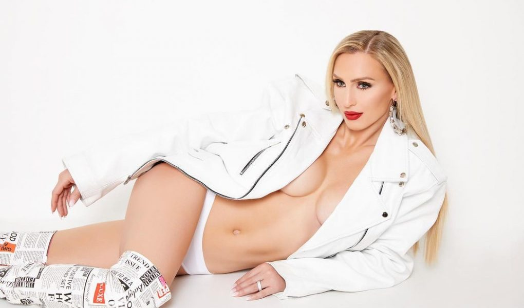 charlotte-flair-wwe-image-instagram-photo-shoot-3